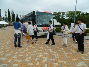 ▼郡山駅から無料シャトルバスで到着