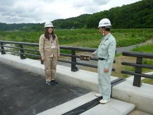 佐野峯さんが携わった梁川町の橋整備の現場