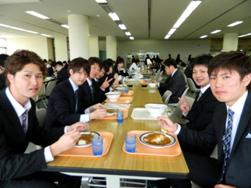 学食は安くて美味しいです!単位を落とさず、無事卒業できるように頑張りたい!
